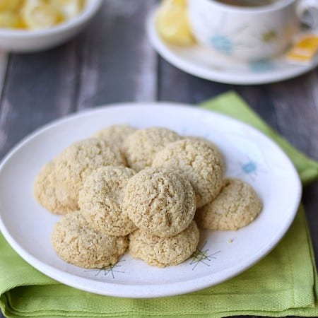 Clean Lemon Cookies | cookingwithcurls.com | #cleaneatingchallenge #glutenfree