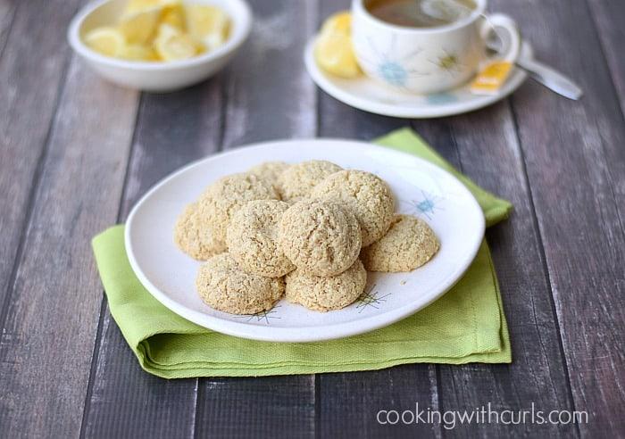 Clean Lemon Cookies | cookingwithcurls.com | #eggfree #glutenfree