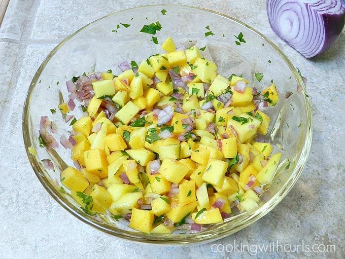 Papaya Mango Salsa | cookingwithcurls.com