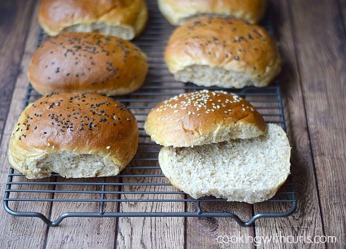 Whole Wheat Hamburger Buns| cookingwithcurls.com | #grainmillwagon