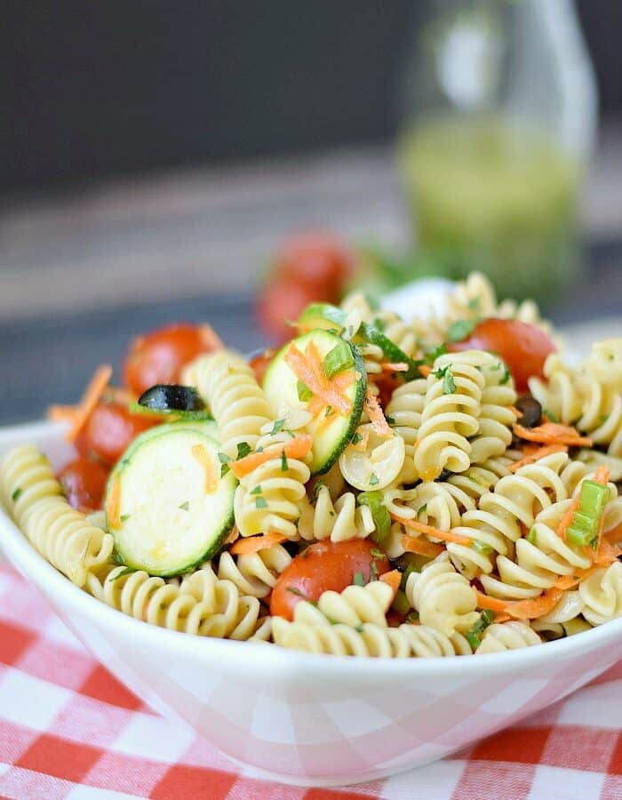 Healthy Italian Pasta Salad | cookingwithcurls.com