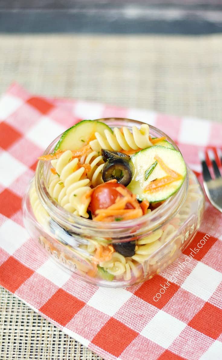 Light and delicious Healthy Italian Pasta Salad is the perfect summer side dish | cookingwithcurls.com