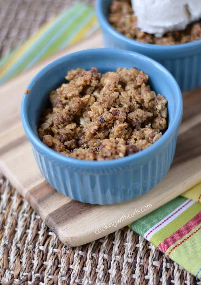 Rhubarb Crisp | cookingwithcurls.com