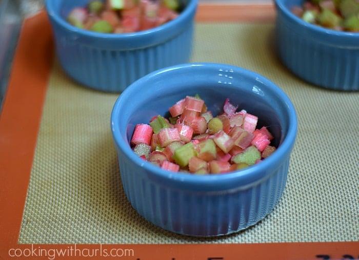 Rhubarb Crisp cut cookingwithcurls.com