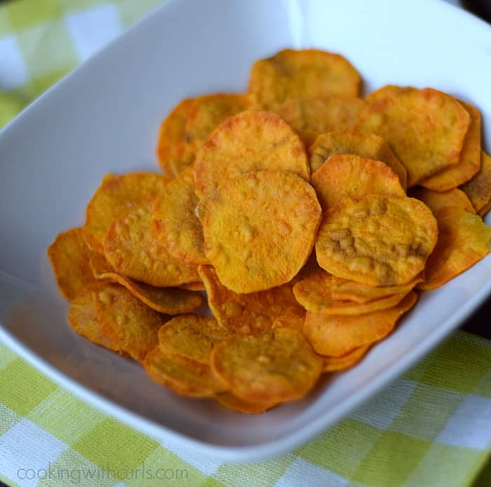 Sweet Potato Chips | cookingwithcurls.com | #paleo #snacks