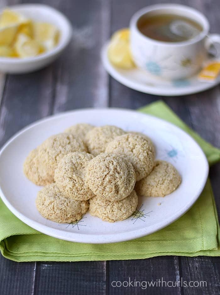 Clean Lemon Cookies | cookingwithcurls.com