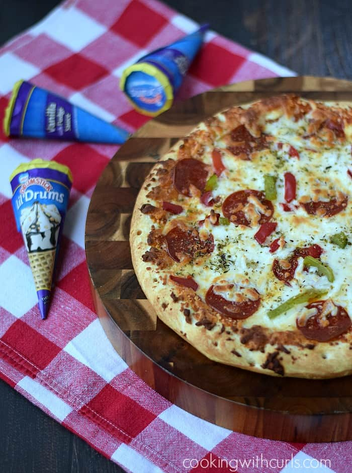 End of Summer Pizza Party with DIGIORNO and DRUMSTICK   cookingwithcurls.com   #MyGoodLife #CollectiveBias #shop