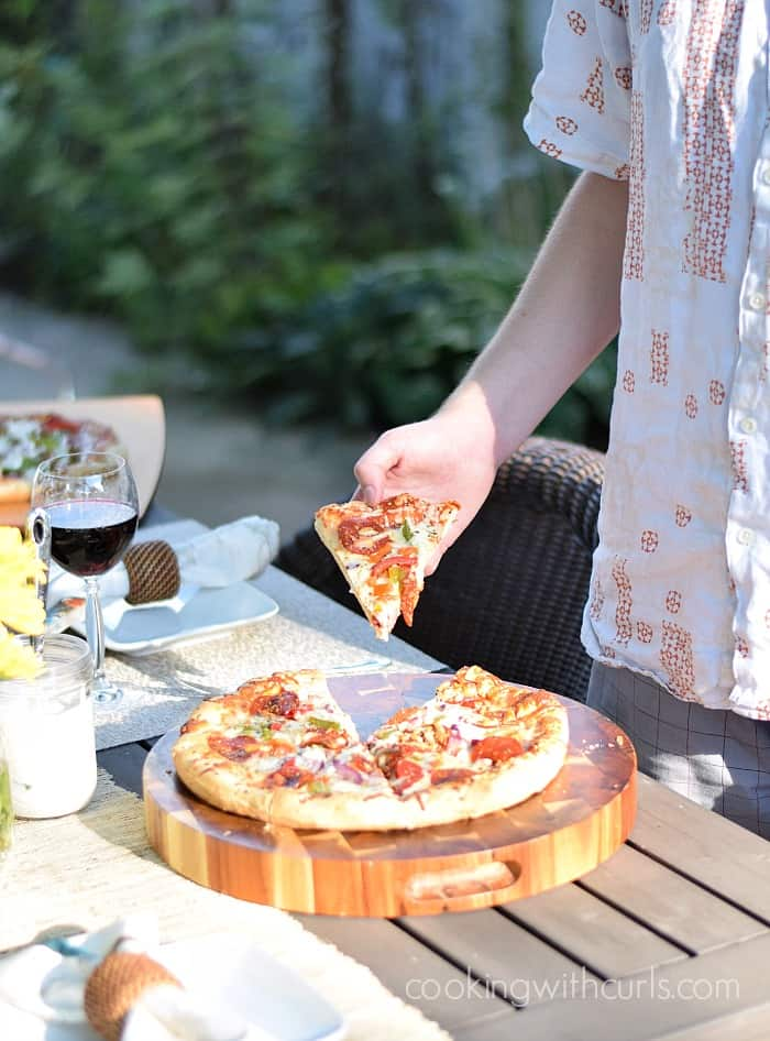End of Summer Pizza Party with DIGIORNO and DRUMSTICK | cookingwithcurls.com #MyGoodLife #CollectiveBias #shop