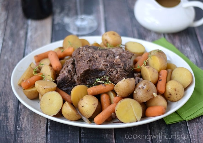 Slow Cooker Pot Roast | cookingwithcurls.com | #crockpot