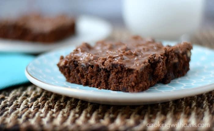 Texas Sheet Cake | cookingwithcurls.com