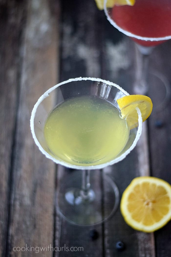 Lemon Drop Martinis | cookingwithcurls.com
