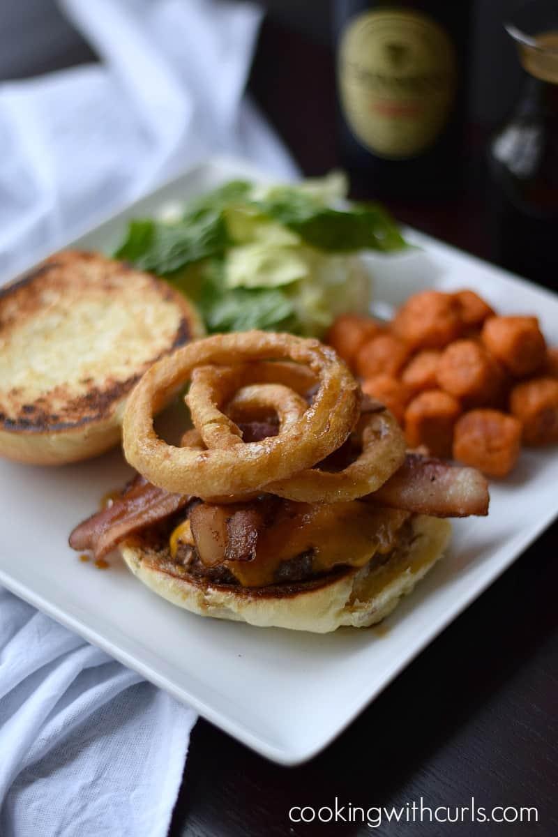 Guinness Burger | cookingwithcurls.com