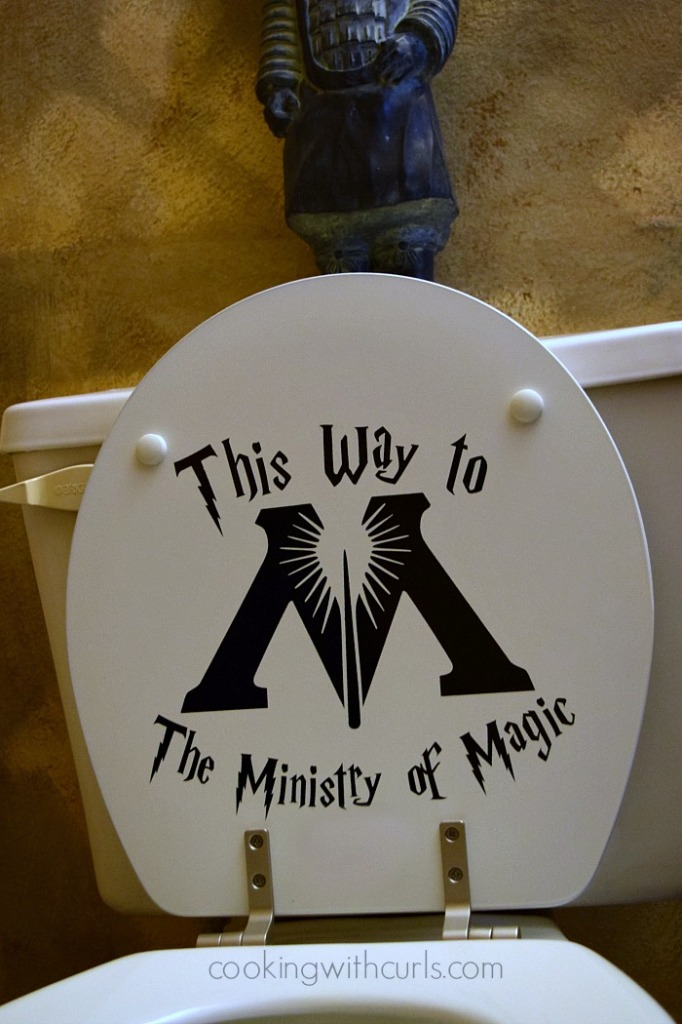 Harry Potter Party | Ministry of Magic| cookingwithcurls.com