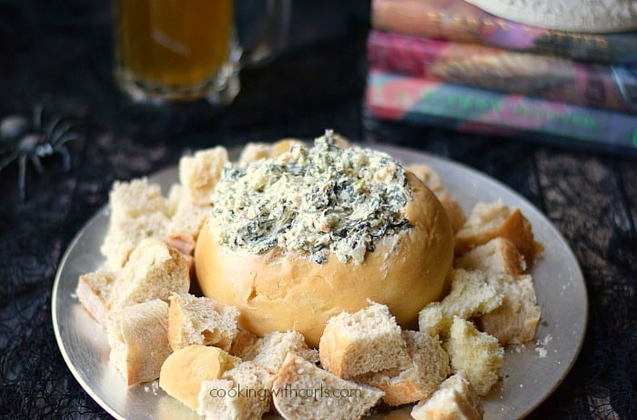 This Gillyweed Dip {Spinach Dip} is perfect for your next Harry Potter Party! cookingwithcurls.com