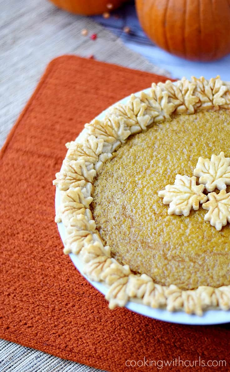 A Dairy-free Pumpkin Pie with a twist for your Thanksgiving table | cookingwithcurls.com