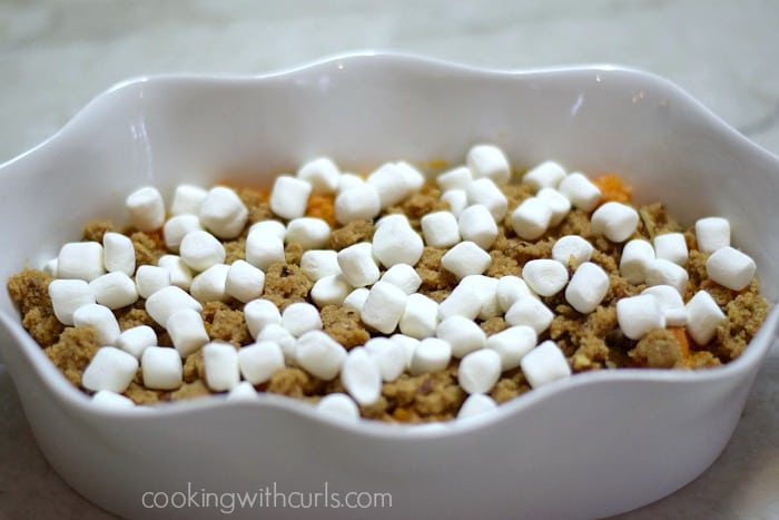 Candied Sweet Potatoes marshmallows cookingwithcurls.com