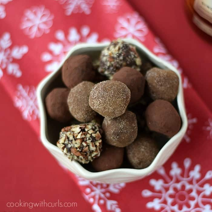 Chocolate Bourbon Truffles | cookingwithcurls.com