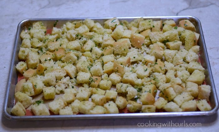 Crunchy Garlic Croutons bake cookingwithcurls.com