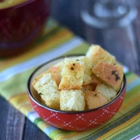 Crunchy Garlic Croutons