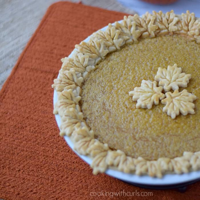 Dairy-free Pumpkin Pie | cookingwithcurls.com | #thanksgivingrecipes