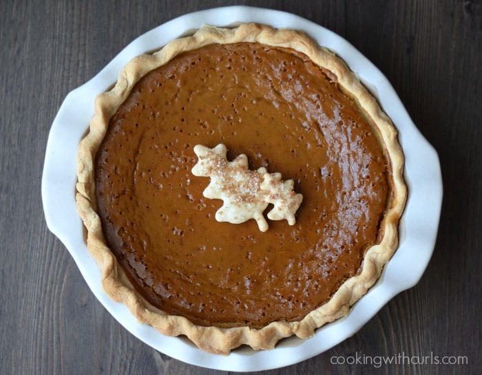 Dairy-free Pumpkin Pie | cookingwithcurls.com