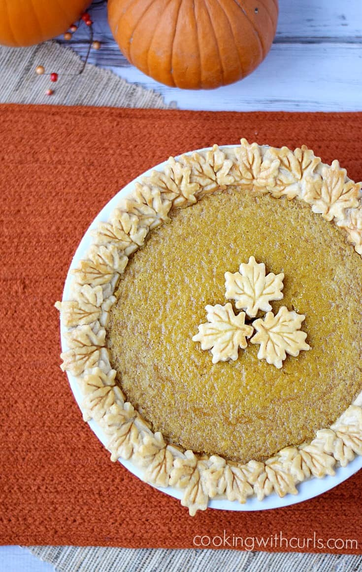 Don't forget your dairy-free friends this holiday season, bake them a Dairy-free Pumpkin Pie   cookingwithcurls.com