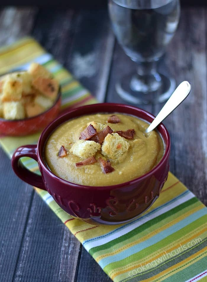 Split Pea Soup  with Homemade Croutons and Bacon | cookingwithcurls.com