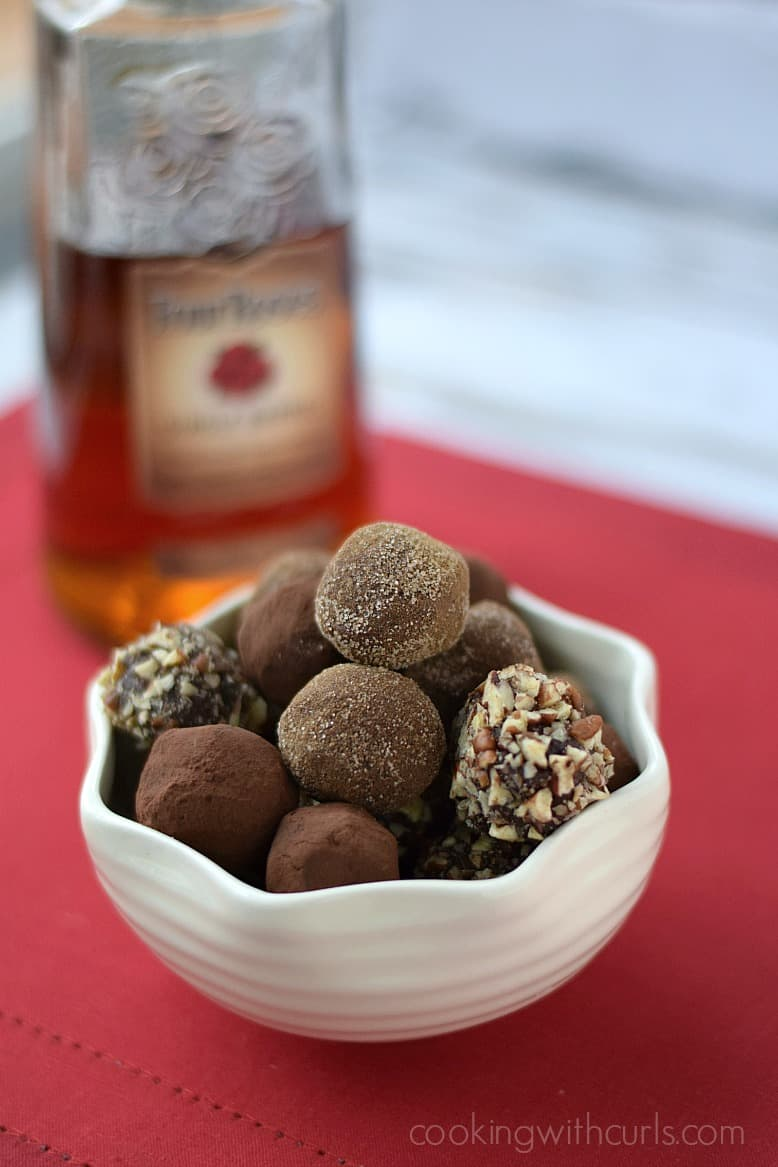 Chocolate Bourbon Truffles | cookingwithcurls.com #fourrosesbourbon #frontierecoop
