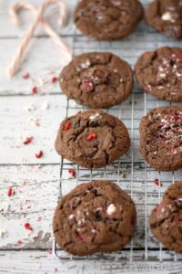 No one will be able to resist these Triple Chocolate Peppermint Cookies, they are holiday perfection! cookingwithcurls.com