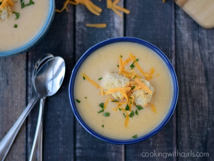 Potato Cheese Soup | cookingwithcurls.com