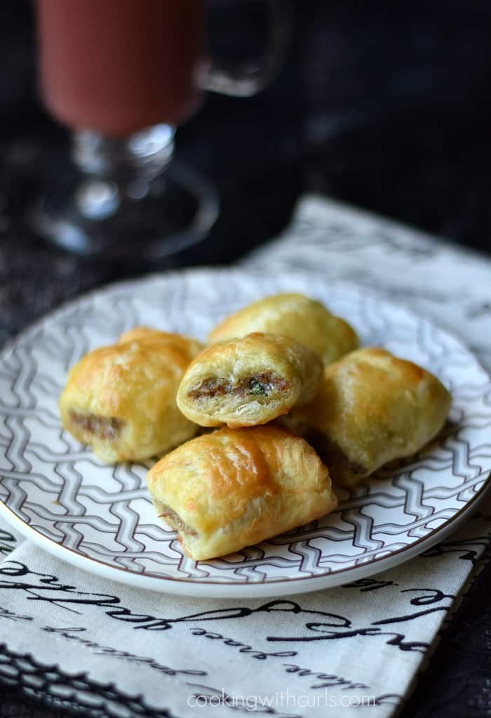 Sausage Rolls III  cookingwithcurls.com