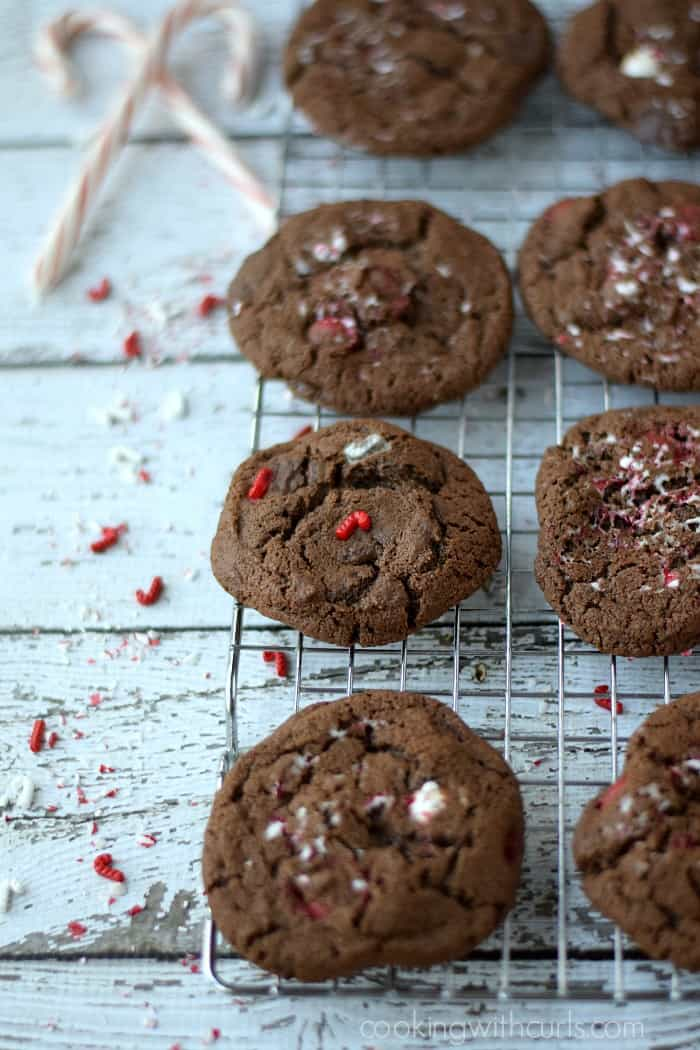 Triple Chocolate Peppermint Cookies | cookingwithcurls.com