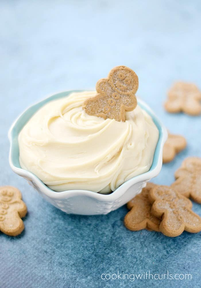White Chocolate Truffle Dip with Gingerbread Men | cookingwithcurls.com