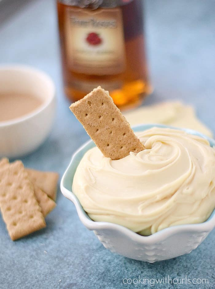 White Chocolate Truffle Dip with Graham Crackers cookingwithcurls.com