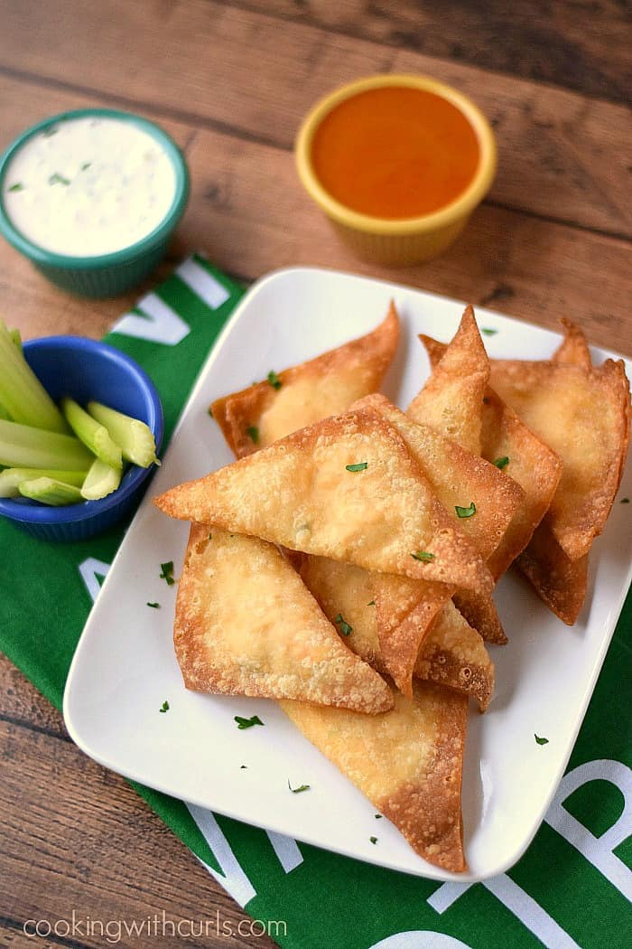 Buffalo Chicken Rangoons are the perfect appetizer for game day!! cookingwithcurls.com