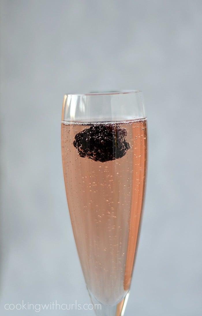 Chamobord® Royale | cookingwithcurls.com #champagne