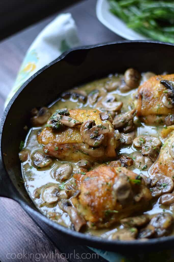 Chicken au Champagne cookingwithcurls.com #France #foodoftheworld