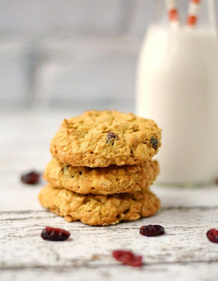 Cranberry White Chocolate Oatmeal Cookies and a big glass of milk! cookingwithcurls.com