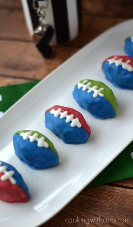 OREO Cookie Balls #Footballs | cookingwithcurls.com #OREOCookieBalls #Ad #dairyfree
