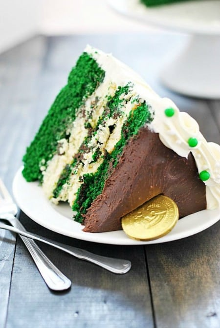 Green Velvet Cheesecake Cake 450