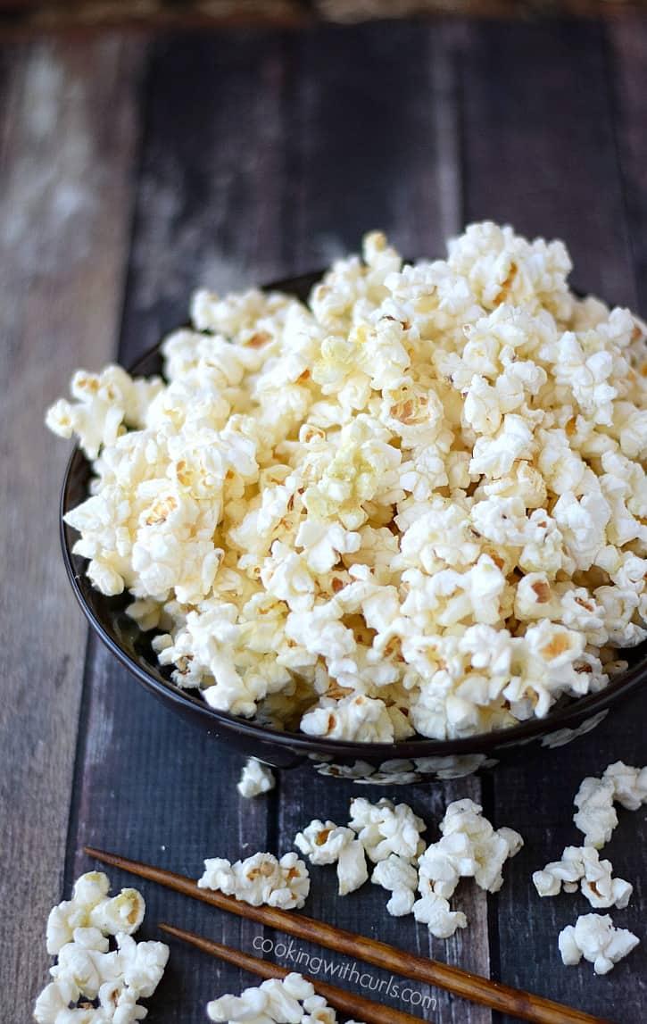 Wasabi Popcorn | cookingwithcurls.com
