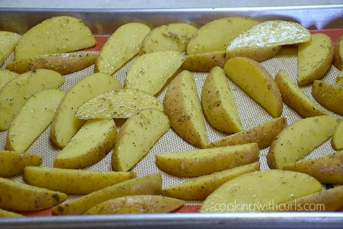 Baked Potato Wedges bake cookingwithcurls.com
