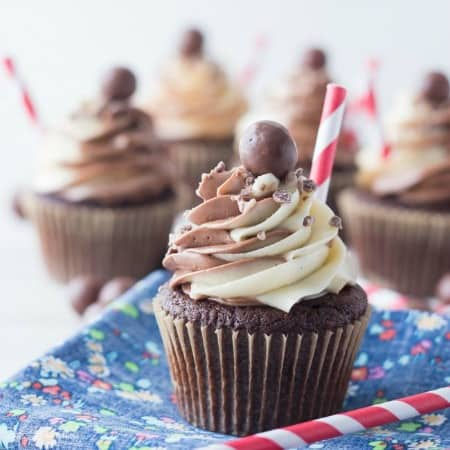 Black and White Malt Shoppe Cupcakes450