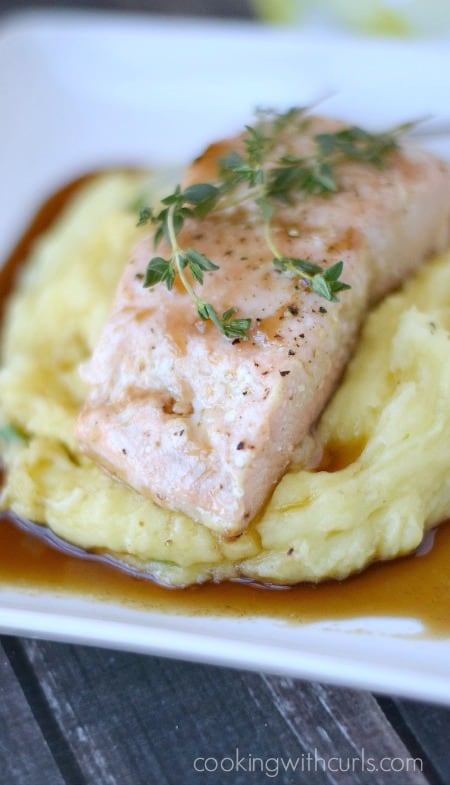 Guinness Glazed Salmon with perfect mashed potatoes is a quick weeknight meal that the whole family will enjoy cookingwithcurl 450