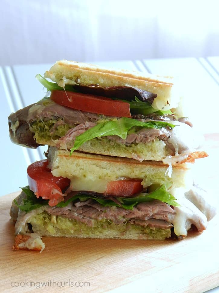 Roast Beef Pesto Sandwich | cookingwithcurls.com