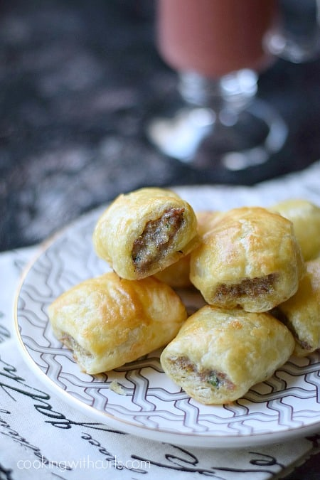 Sausage Rolls with Puff Pastry cookingwithcurls.com450