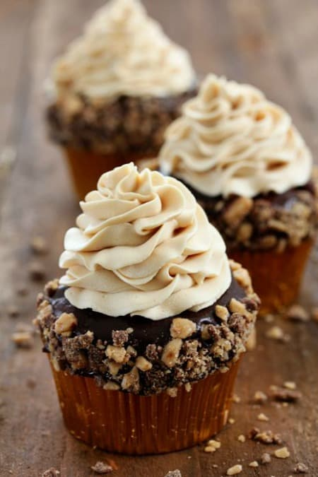 Toffee Crunch Cupcake with Caramel Frosting450
