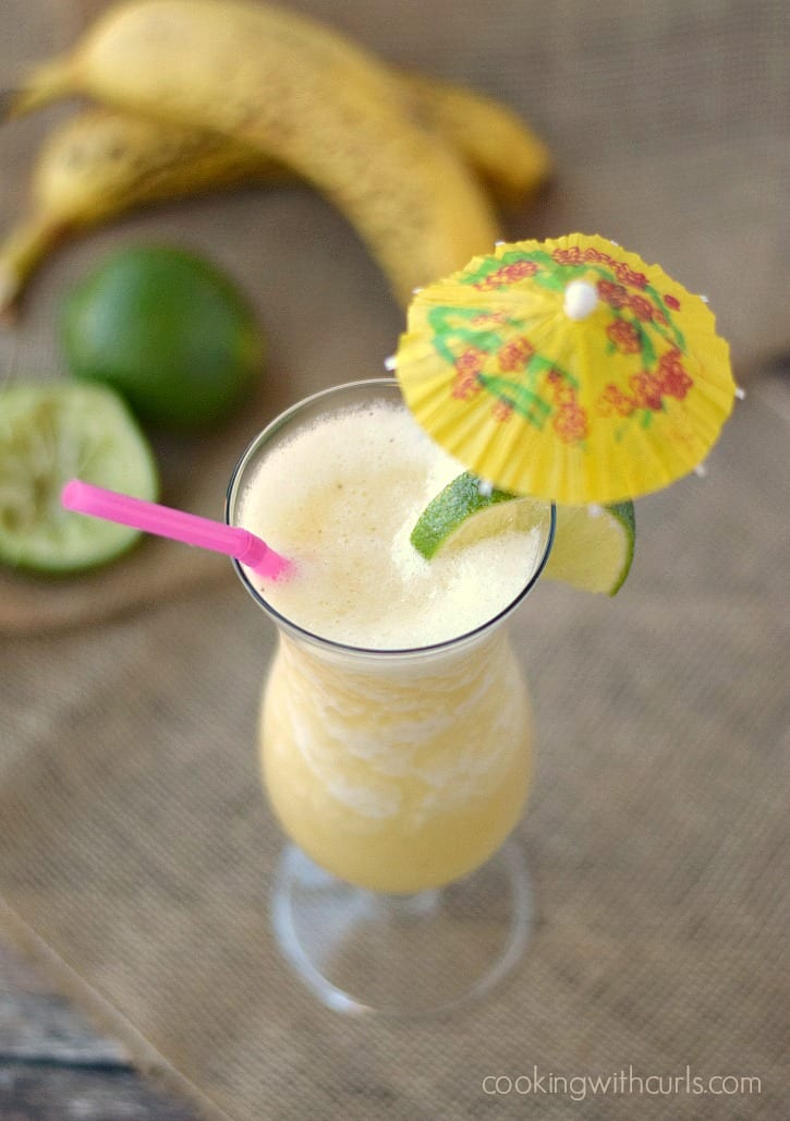 Frozen Banana Daiquiri - a fresh and frothy taste of the tropics! cookingwithcurls.com
