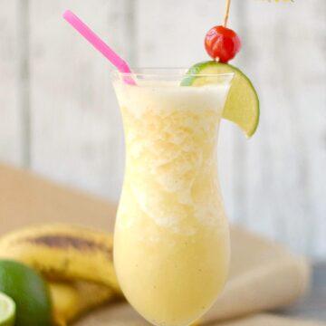 Frozen Banana Daiquiri - a taste of the tropics! cookingwithcurls.com
