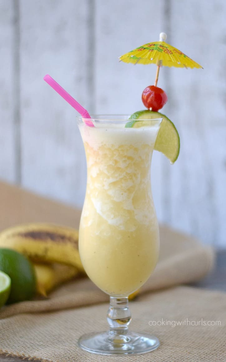 Frozen Banana Daiquiri - a taste of the tropics | cookingwithcurls.com